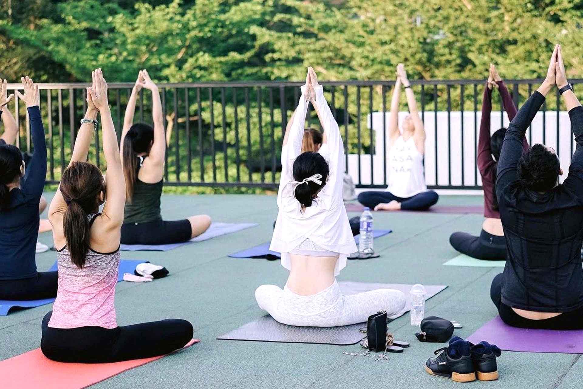 kylie yoga 2