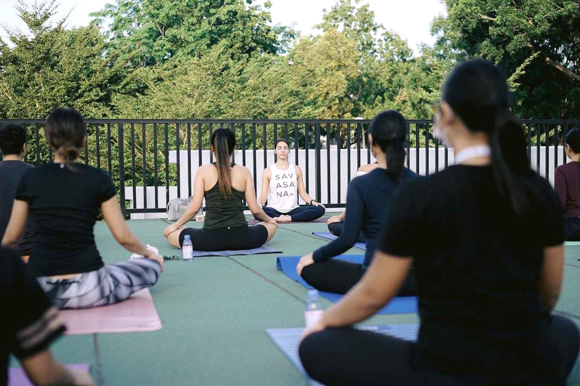 kylie yoga 4